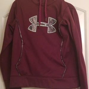 Under armour hoodie camo.maroon mint